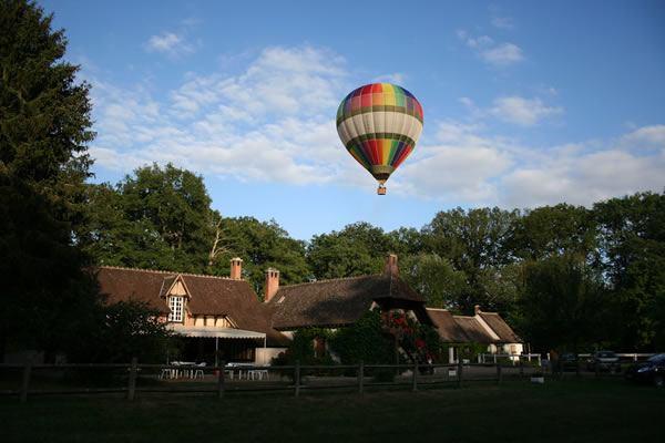 Auberge Forestière de Marcheroux - Balloon Revolution