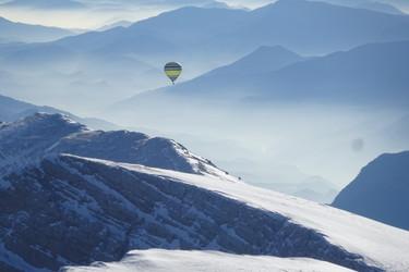Traversée des Pyrénées - La vallée de la Cerdagne en Montgolfière